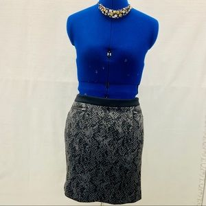Banana Republic grey/black snake skin mini skirt